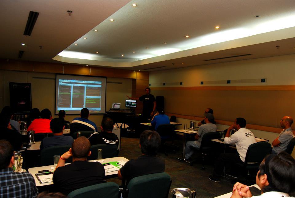 AVCOM AVID Venue Training 2012