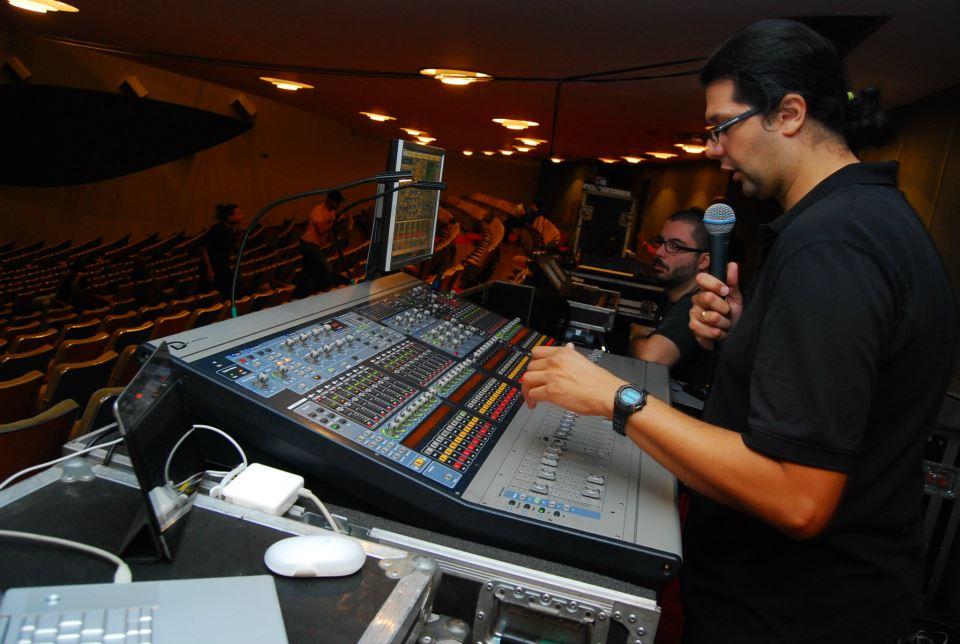 AVCOM Orinoco review 2012